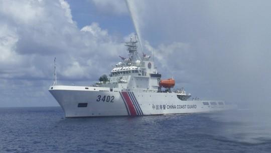 Mỹ quyết trị chiến thuật vùng xám của Trung Quốc ở biển Đông - Ảnh 1.