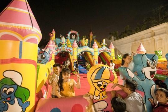 Hàng trăm ngàn người đã đổ về khu vui chơi, giải trí Happyland - Ảnh 5.