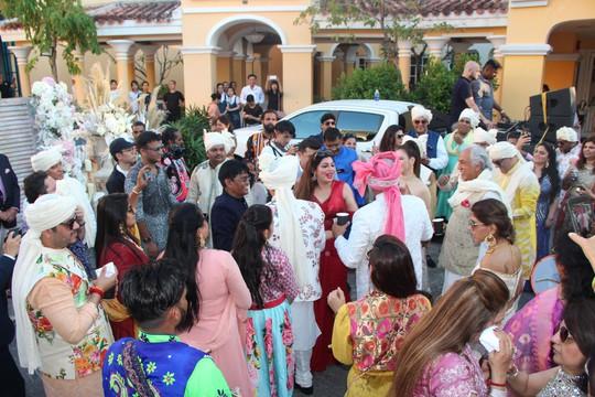 Lộng lẫy lễ cưới chính thức của tỉ phú Ấn Độ tại Phú Quốc - Ảnh 7.