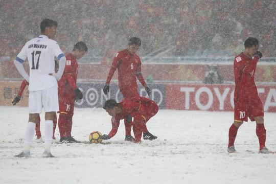 Cầu thủ Việt Nam nhìn giải Fair-Play để noi gương - Ảnh 1.