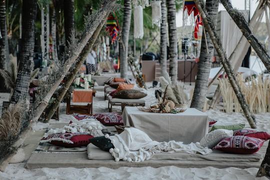 Đêm tiệc cưới phong cách thổ dân của tỉ phú Ấn Độ - Ảnh 1.