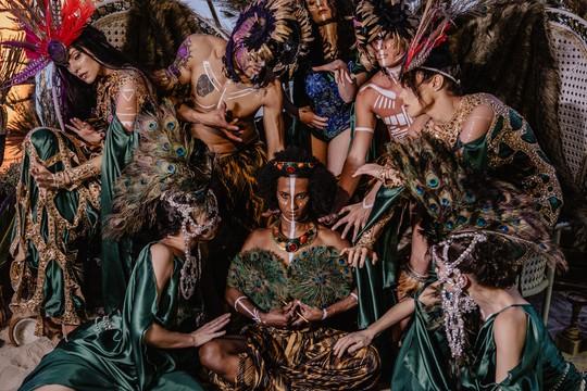 Đêm tiệc cưới phong cách thổ dân của tỉ phú Ấn Độ - Ảnh 7.
