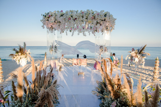 Cận cảnh đám cưới xa xỉ của tỉ phú Ấn Độ tại JW Marriott Phu Quoc Emerald Bay - Ảnh 3.