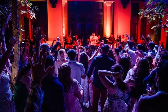 Cận cảnh đám cưới xa xỉ của tỉ phú Ấn Độ tại JW Marriott Phu Quoc Emerald Bay - Ảnh 7.