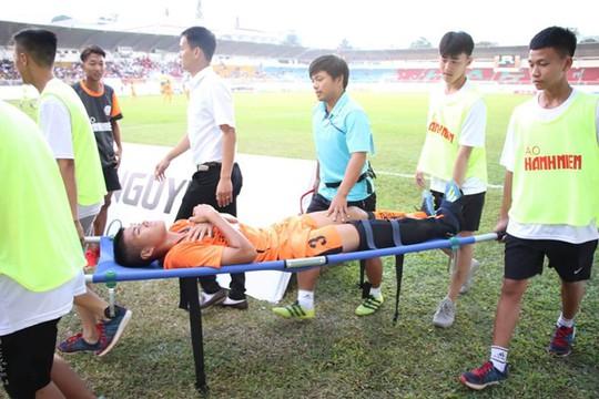 HLV lên tiếng về lý do cầu thủ U19 Đà Nẵng gãy chân khi đấu HAGL - ảnh 3