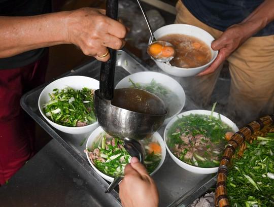 Hàng phở Hà Nội: Từ thực đơn một món đến quán gây sốt ở Nhật - Ảnh 5.