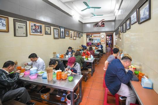 Hàng phở Hà Nội: Từ thực đơn một món đến quán gây sốt ở Nhật - Ảnh 6.