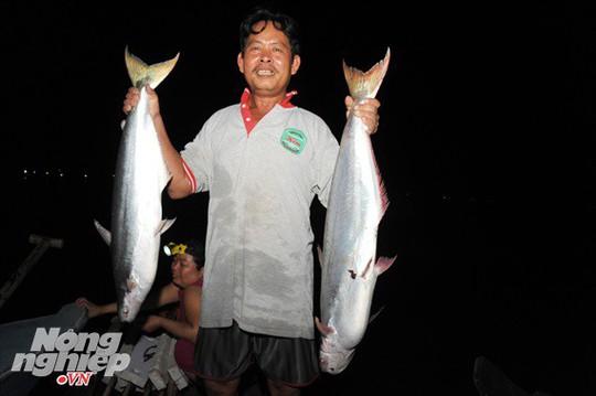 Sướng mắt theo ghe miền Tây săn tôm càng, cá bông lau - Ảnh 10.