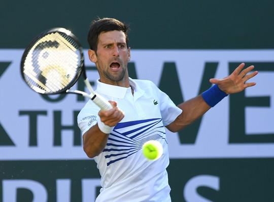 Roger Federer bay cao ở Indian Wells, Djokovic bị loại đáng tiếc - Ảnh 4.