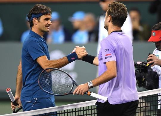 Roger Federer bay cao ở Indian Wells, Djokovic bị loại đáng tiếc - Ảnh 1.