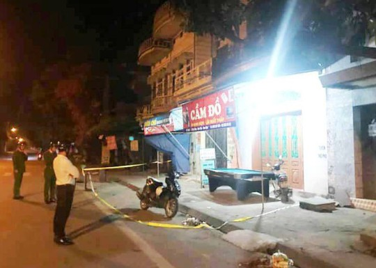 Mâu thuẫn tại tiệm cầm đồ, 1 thanh niên bị đâm chết - Ảnh 1.