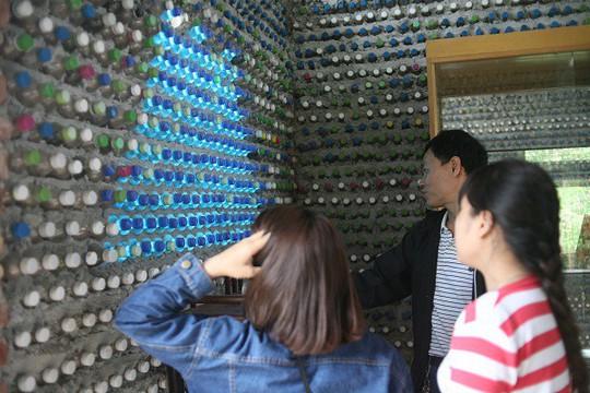 Một ngôi nhà tuyệt đẹp xây bằng 8.800 vỏ chai nhựa - Ảnh 13.