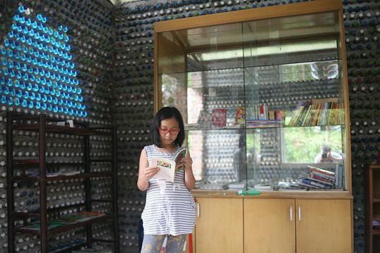 Một ngôi nhà tuyệt đẹp xây bằng 8.800 vỏ chai nhựa - Ảnh 8.