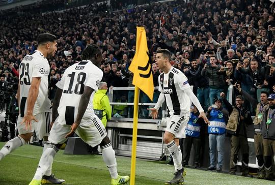 Ronaldo lập hat-trick, Juventus ngược dòng kỳ vĩ tại Turin - Ảnh 8.