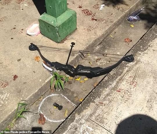 Brazil: Cựu học sinh vào trường xả súng, 27 người thương vong - Ảnh 4.