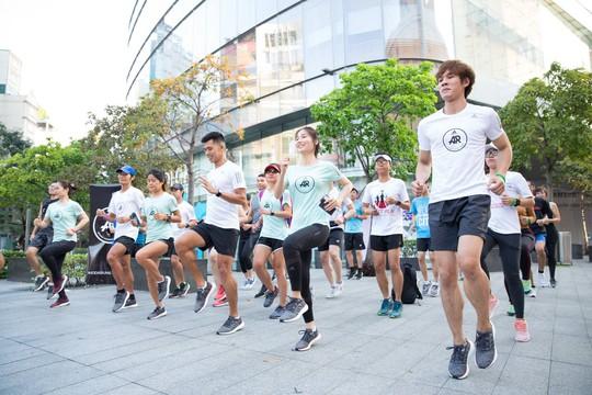 Adidas PureBOOST GO khuyến khích khám phá cung đường chạy thành phố - Ảnh 1.