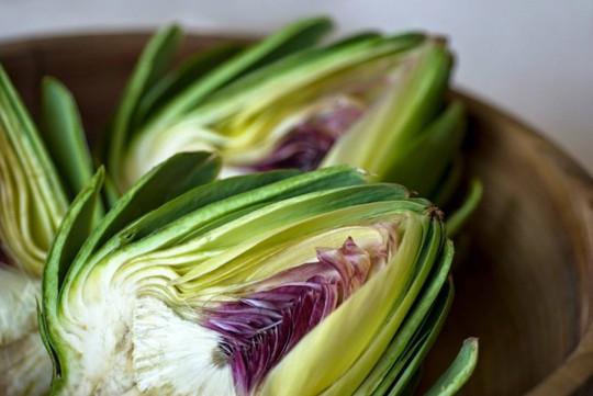 Cách nấu món ăn bổ dưỡng từ hoa atisô - Ảnh 2.