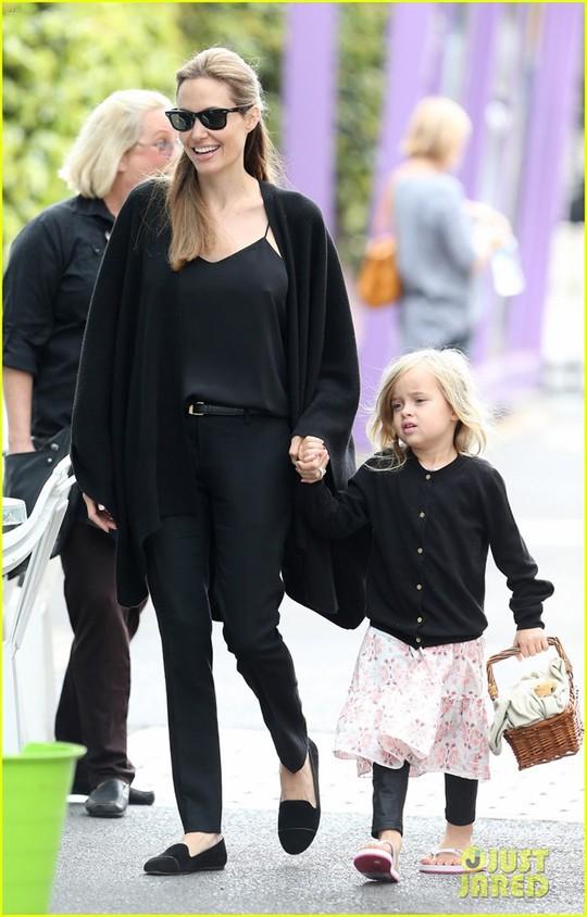 6 nhóc tì nhà Angelina Jolie càng lớn càng sành điệu - Ảnh 9.