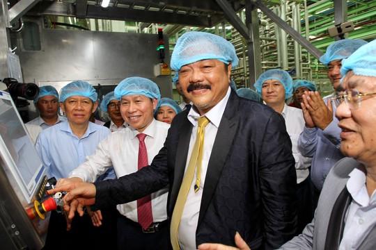 Tân Hiệp Phát khánh thành nhà máy nước giải khát tại ĐBSCL - Ảnh 3.