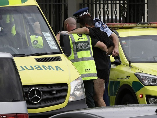 Xả súng 49 người chết ở New Zealand: Hung thủ livestream quá trình thực hiện tội ác - Ảnh 7.