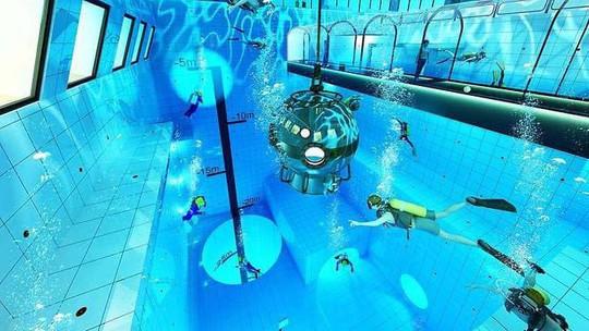 Hồ bơi sâu nhất thế giới - Ảnh 2.