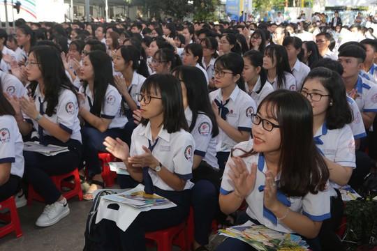 14 giờ: Trực tuyến Đưa trường học đến thí sinh 2019 tại Bình Định - ảnh 1