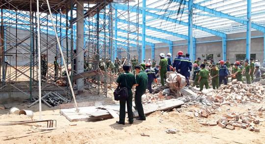 Thông tin mới nhất vụ sập tường khiến 6 người chết ở Vĩnh Long - ảnh 1