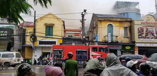 Cháy lớn tại khách sạn, 1 người tử vong - Ảnh 3.