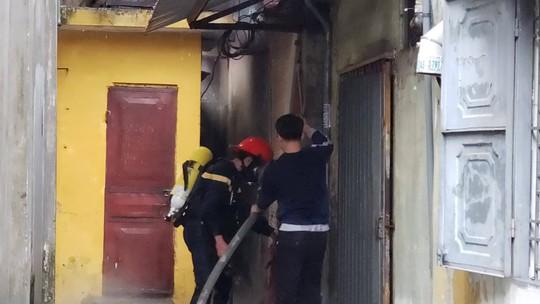 Cháy lớn tại khách sạn, 1 người tử vong - Ảnh 2.