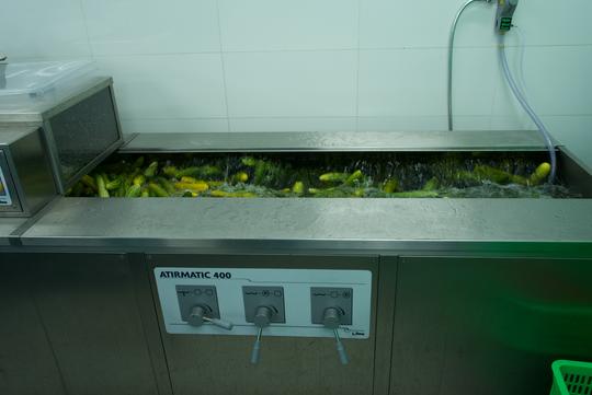 Khám phá bếp ăn đặc biệt làm 22.000 suất ăn/ngày cho các chuyến bay - ảnh 6