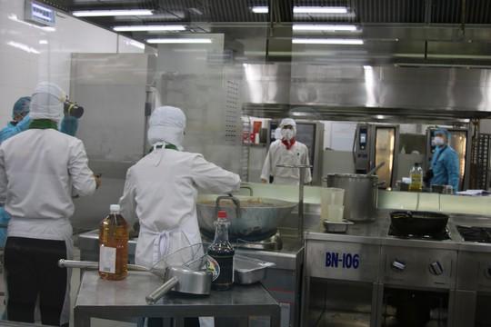 Khám phá bếp ăn đặc biệt làm 22.000 suất ăn/ngày cho các chuyến bay - ảnh 7
