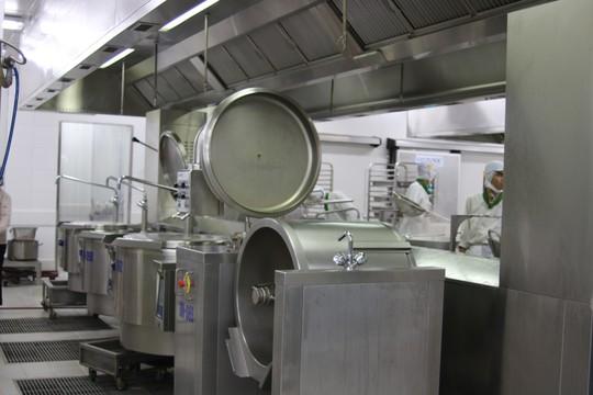 Khám phá bếp ăn đặc biệt làm 22.000 suất ăn/ngày cho các chuyến bay - ảnh 32