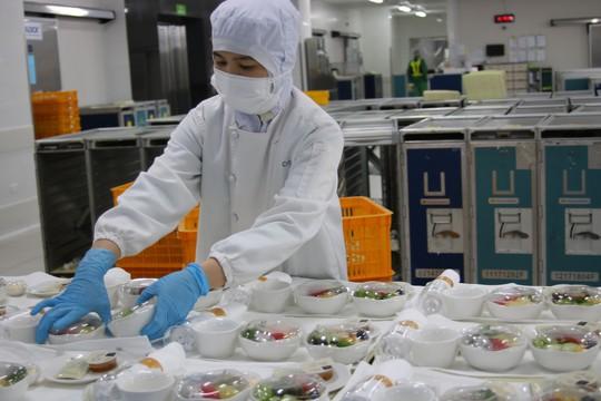 Khám phá bếp ăn đặc biệt làm 22.000 suất ăn/ngày cho các chuyến bay - ảnh 9