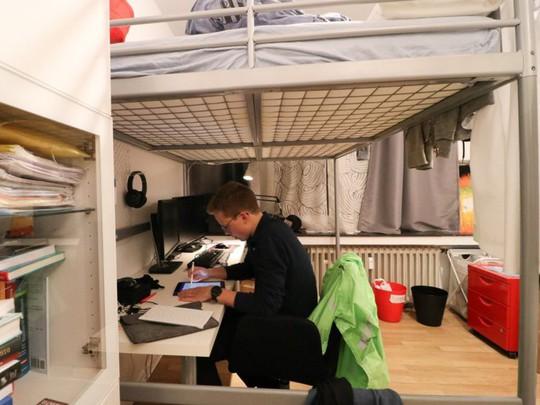 Nils Reichardt: 17 tuổi đã điều hành startup riêng - Ảnh 3.