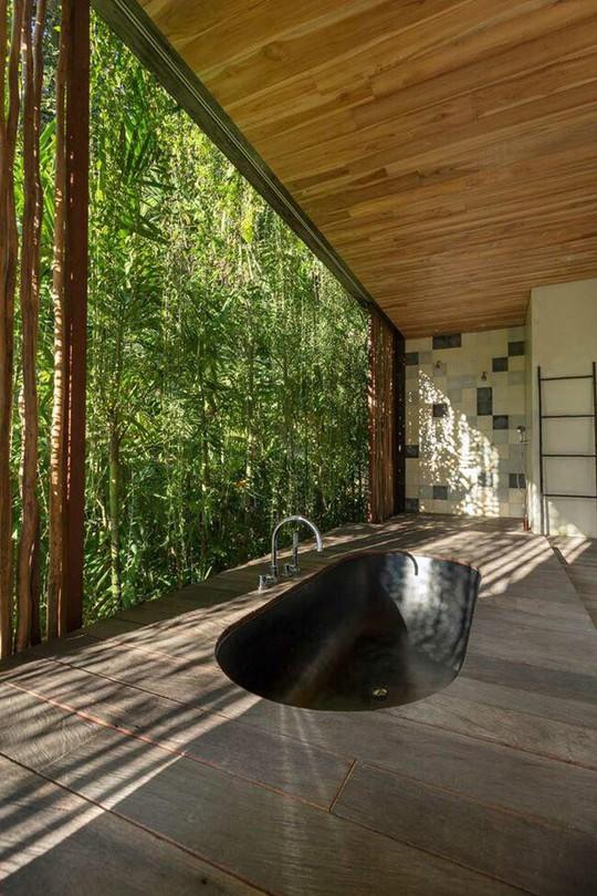 Căn nhà giữa rừng rậm vừa đẹp vừa tiện nghi - Ảnh 17.