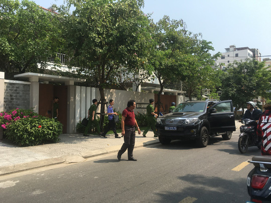 Khởi tố, khám xét nhà nguyên phó chủ tịch Đà Nẵng Nguyễn Ngọc Tuấn - Ảnh 4.