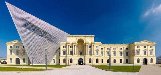Chiêm ngưỡng vẻ đẹp tuyệt mỹ của 9 công trình lịch sử sau cải tạo - Ảnh 4.
