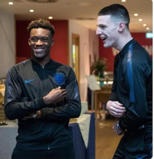 Phản đồ Chelsea lên tuyển Anh ở tuổi 18 - Ảnh 1.