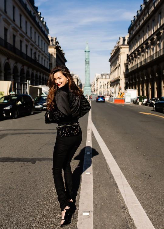 Hồ Ngọc Hà gợi cảm giữa Paris fashion week - Ảnh 7.