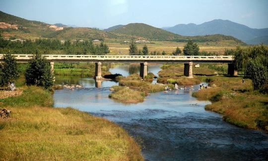 9 vùng du lịch nổi tiếng ở Triều Tiên - Ảnh 7.