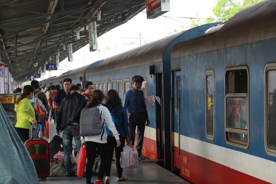 Bạn cần biết: Đường sắt Sài Gòn chạy thêm tàu đến các điểm du lịch - Ảnh 1.