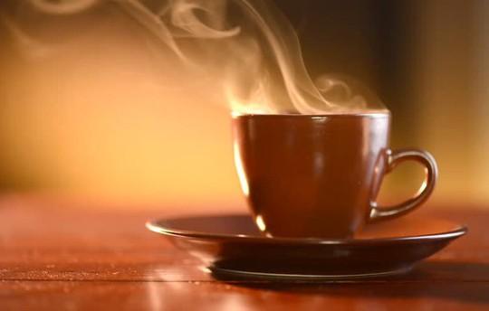 Nếu uống trà, cà phê cách này, nguy cơ ung thư tăng gấp đôi! - Ảnh 1.