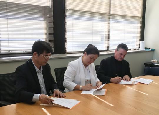 NHG trao hơn 1.000 suất học bổng quốc tế cho học sinh - sinh viên - Ảnh 5.