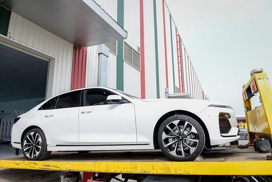 VinFast đưa 155 ô tô Lux ra nước ngoài kiểm thử - Ảnh 5.