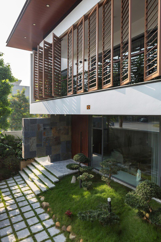 Ngôi nhà Việt Trì hứng nắng xuyên suốt 40 mét - Ảnh 1.