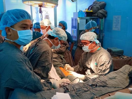 Ứng dụng công nghệ 3D tái tạo xương hàm, lưỡi cho bệnh nhân ung thư - Ảnh 1.