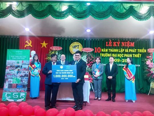 Bình Thuận: Novaland song hành cùng giáo dục và đào tạo - Ảnh 2.
