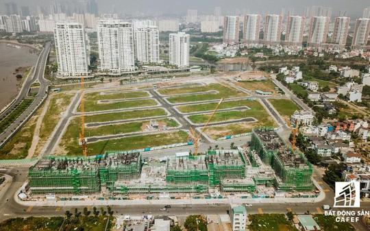 Doanh nghiệp địa ốc kêu khó về thủ tục cấp phép đầu tư dự án mới - Ảnh 1.