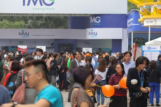 Cả ngàn người xếp hàng mua vé máy bay, tour giá rẻ tại hội chợ du lịch - Ảnh 6.