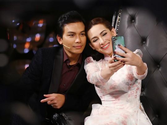 Ca sĩ Phi Nhung tiết lộ về mối quan hệ với Mạnh Quỳnh - Ảnh 1.